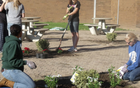 Students work to beautify MHS